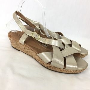 NWOB Clarks Artisan Wedge Sandals 10M